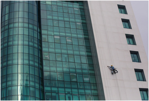 The process of cleaning high-rise glass
